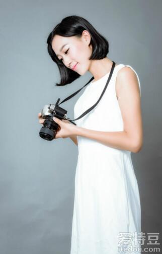 槿翼荣获《超级演说家》第二季成都赛区总冠军