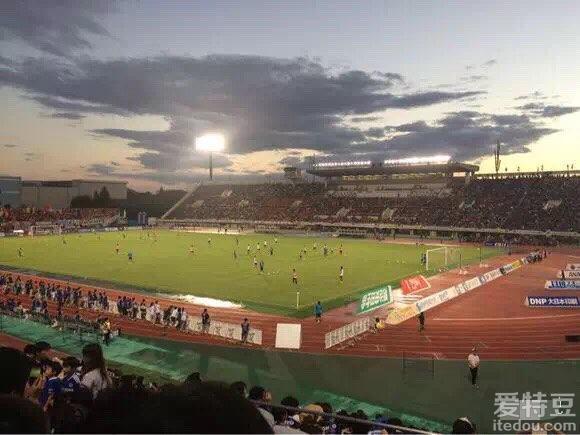 愿移动球场的出现 能帮中国足球迈向未来
