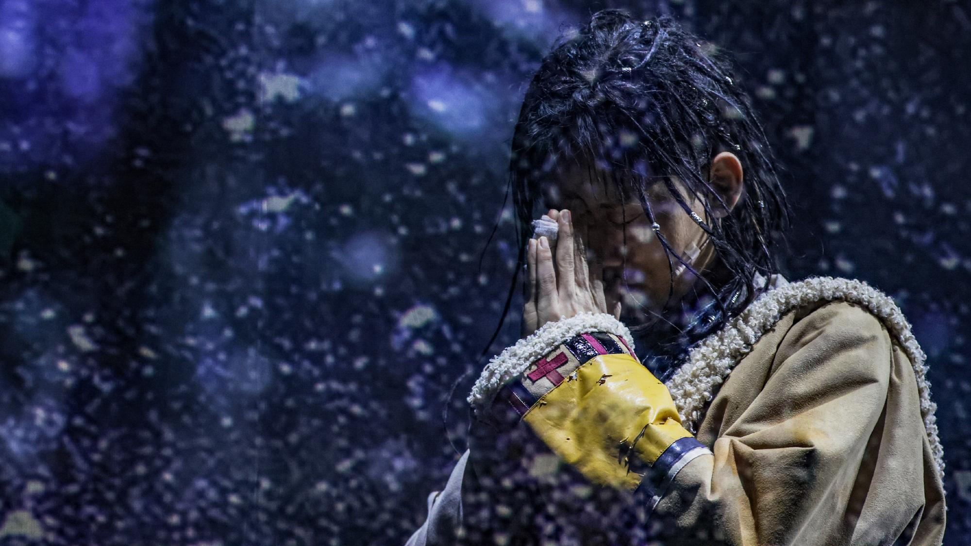 张杰时隔三年再次跨界演绎出演《曾经如是》