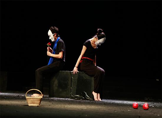 大学生戏剧艺术节:话剧《框爱》