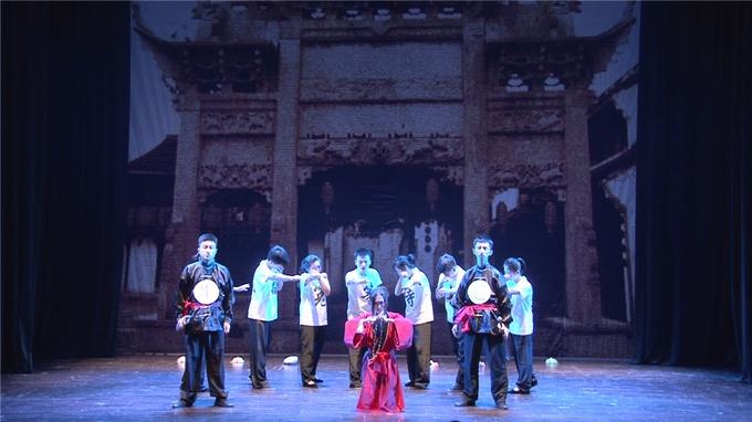 大学生戏剧艺术节:话剧《窦娥冤·等待戈多》