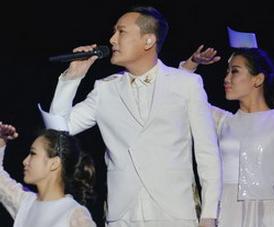 张信哲上海开唱 唱了足足二十多首情歌