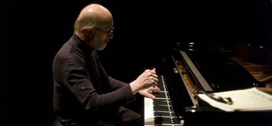 俄罗斯国宝级钢琴家鲁比莫夫将来台举行独奏会