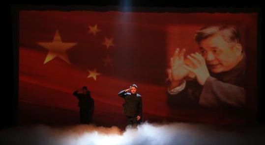 清华大学原创话剧《马兰花开》在东海舰队倾情上演
