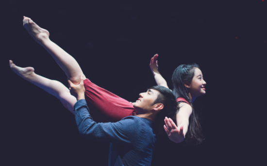 舞蹈剧场《追星星的人》登陆天津大剧院