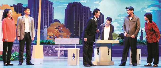 《回乡税官》在宁夏话剧院演出