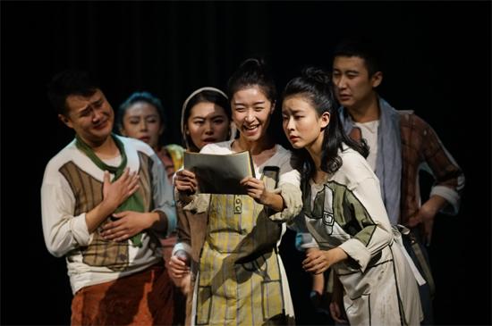 话剧《仲夏夜之梦》走进北京喜剧院