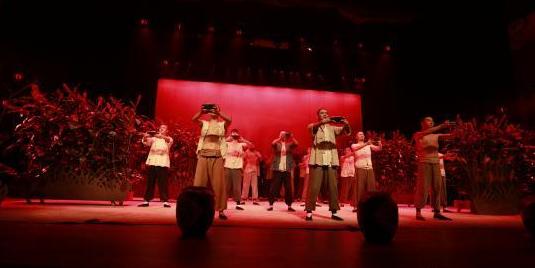 话剧《九儿》中国校园戏剧节登台