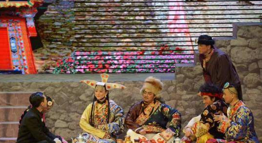 大型民族题材话剧《尘埃落定》于上海上演