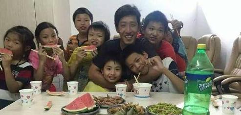 姜宽宽带领150名留守儿童共圆微电影梦