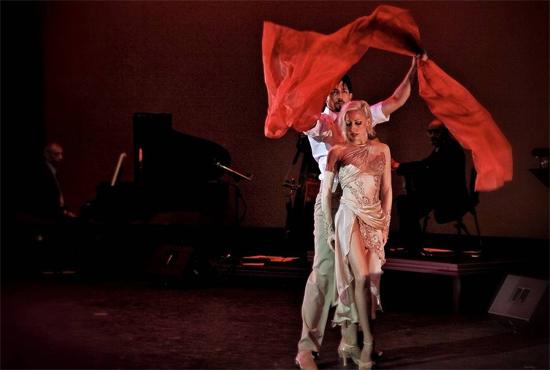 话剧《长子》于国家话剧院温馨上演