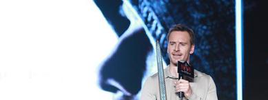 《刺客信条》昨日在京举办首映发布会法鲨迈克尔法斯宾德亮相