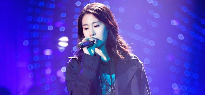 歌手张碧晨半决赛演绎经典《不散不见》