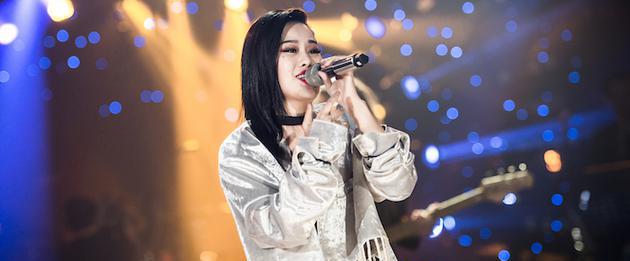 《歌手》袁娅维宣布刘欢作为自己帮唱嘉宾