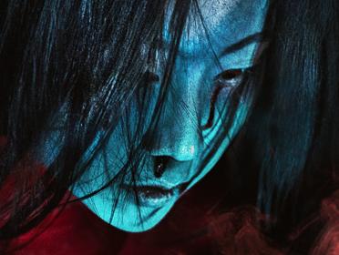 电影《怨灵宿舍之人偶老师》发布幽灵版海报