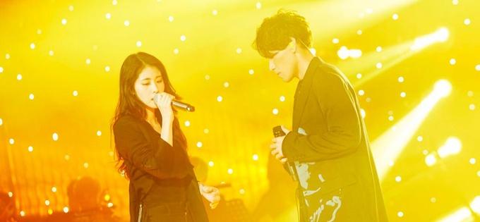 《歌手》总决赛张碧晨杨宗纬首次合体献唱