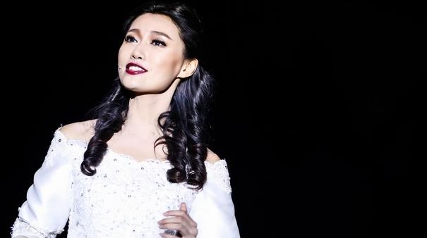 全国首部惊悚爆笑音乐剧《如果有来生》在北京拉开演出序幕,首演媒体场爆满,因座位有限,很多观...
