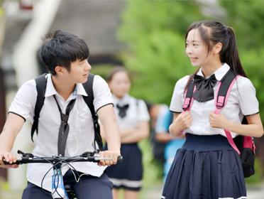 电影《十七岁的雨季》将于6月9日公映