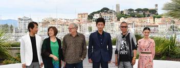 电影《无限之住人》主创亮相戛纳电影节