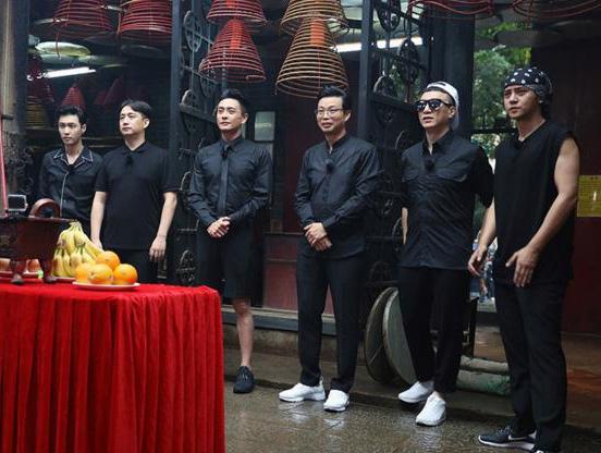 《极限挑战》第三季张艺兴单挑香港女篮