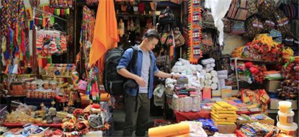 西藏首部旅游定制微电影《珠峰的呼唤》开机