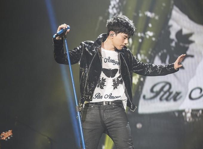 张杰2017世界巡回演唱会唱响长沙