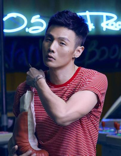 李荣浩:做一天不是自己的歌手