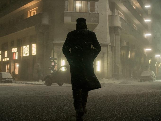 电影《银翼杀手2049》将映 再发前传短片