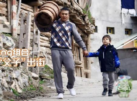"""《爸爸去哪儿5》刘畊宏搭档嗯哼成""""临时父子"""""""