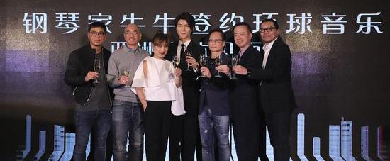 青年钢琴家张胜量正式签约环球香港音乐