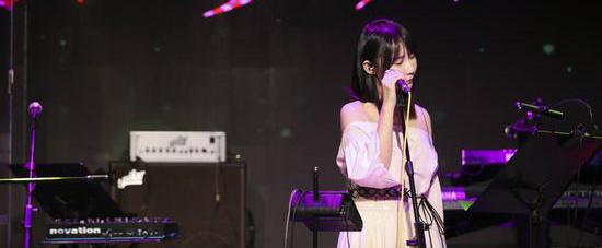 内地民谣创作歌手邵夷贝签约香蕉娱乐