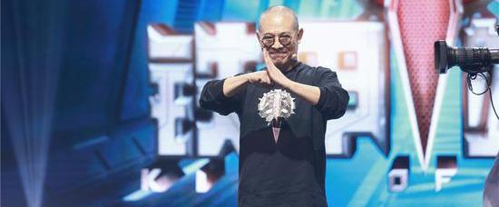 机器人格斗真人秀《铁甲雄心》1月8日开播
