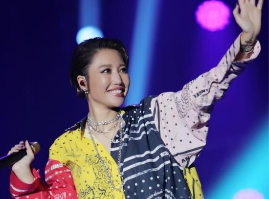 天生歌姬A-Lin世界巡回演唱会落地新加坡
