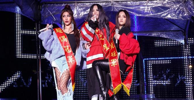 张惠妹新专辑《偷故事的人》万人演唱会台北举行