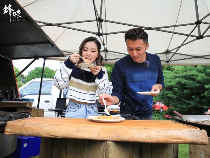 《锋味》难度升级 谢霆锋挑战大型BBQ料理