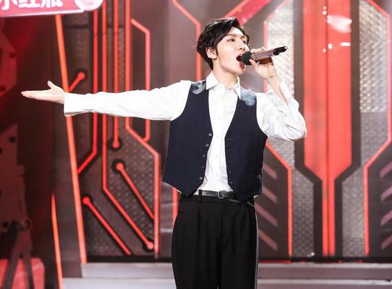 《天天向上》魏巡焦迈奇同台合唱春晚金曲