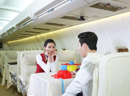 """《如果爱·为爱同行》陈都灵展示""""五星级""""空姐服务"""