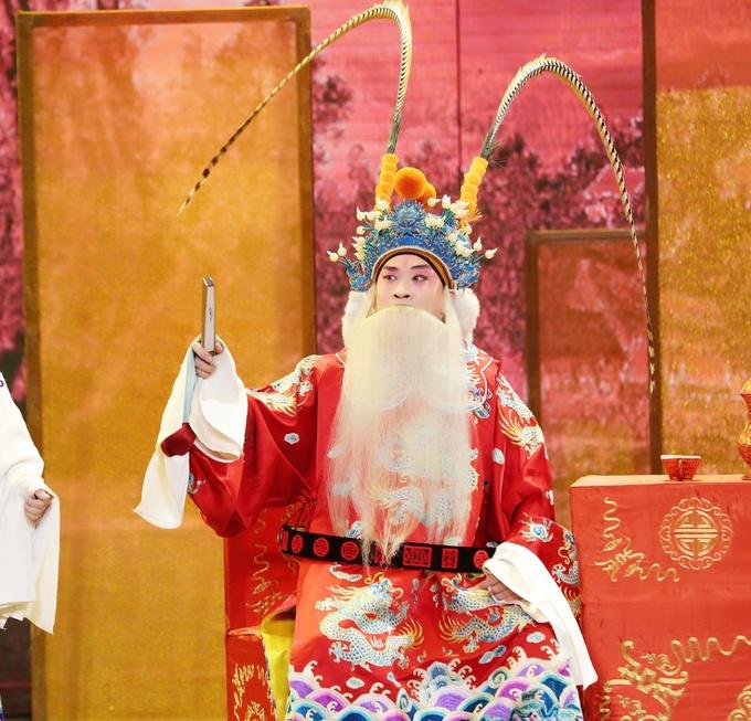 《传承中国》名家解读深入剖析京剧之美