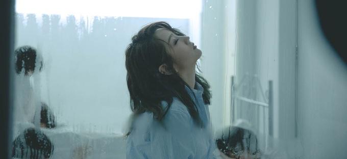 何洁《给陌生女孩的歌》MV温情上线
