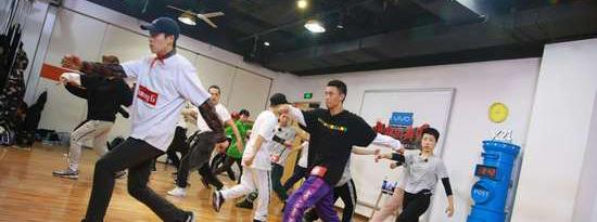 《热血街舞团》战队齐舞状况频出