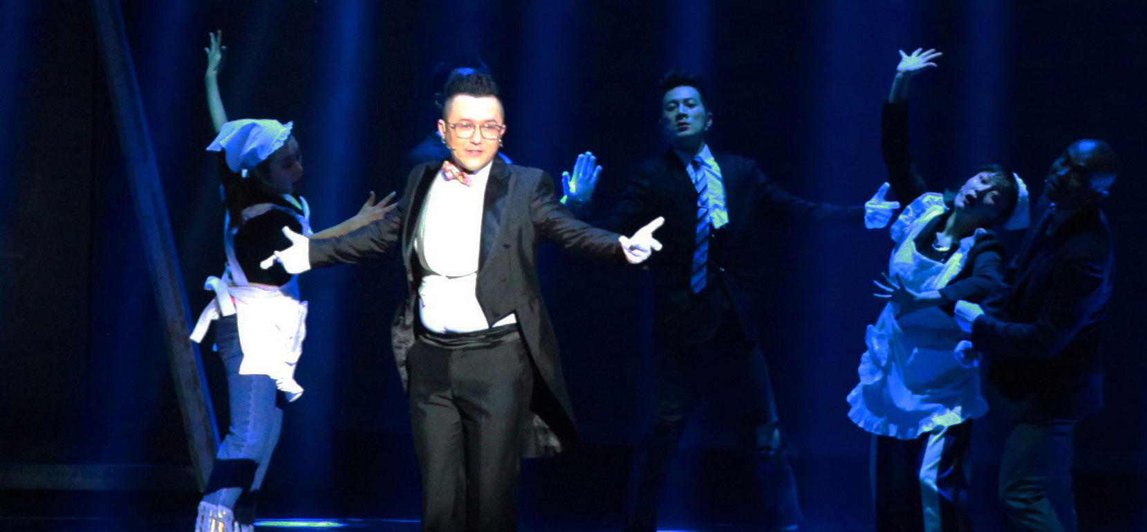 歌手那吾克热参演音乐剧《阿尔兹记忆的爱情》