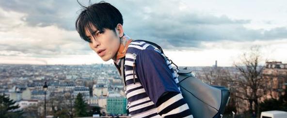 萧敬腾个人全新单曲《让我为你唱情歌》MV上线