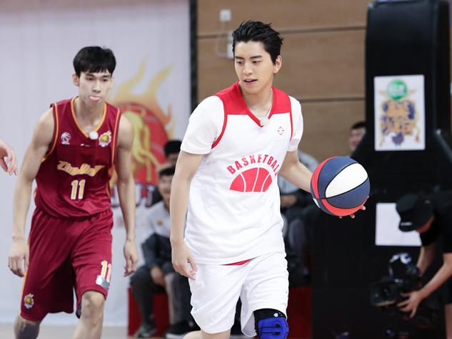 《高能少年团》王大陆成篮球主力实力超群