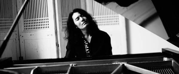 钢琴家罗宁发布首张作品《光与影的邂逅》