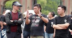民国热血青春剧《烈火军校》,日前正在浙江横店影视城热拍。