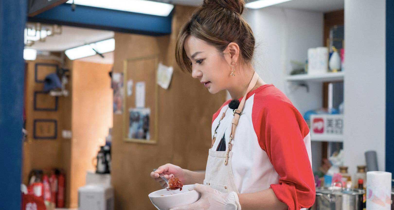 《中餐厅2》 赵薇白举纲研发新菜品遭遇滑铁卢