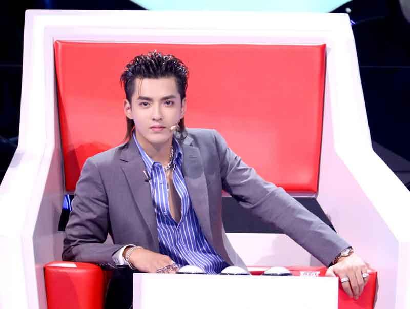 《中国梦之声·下一站传奇》首期演绎励志青春