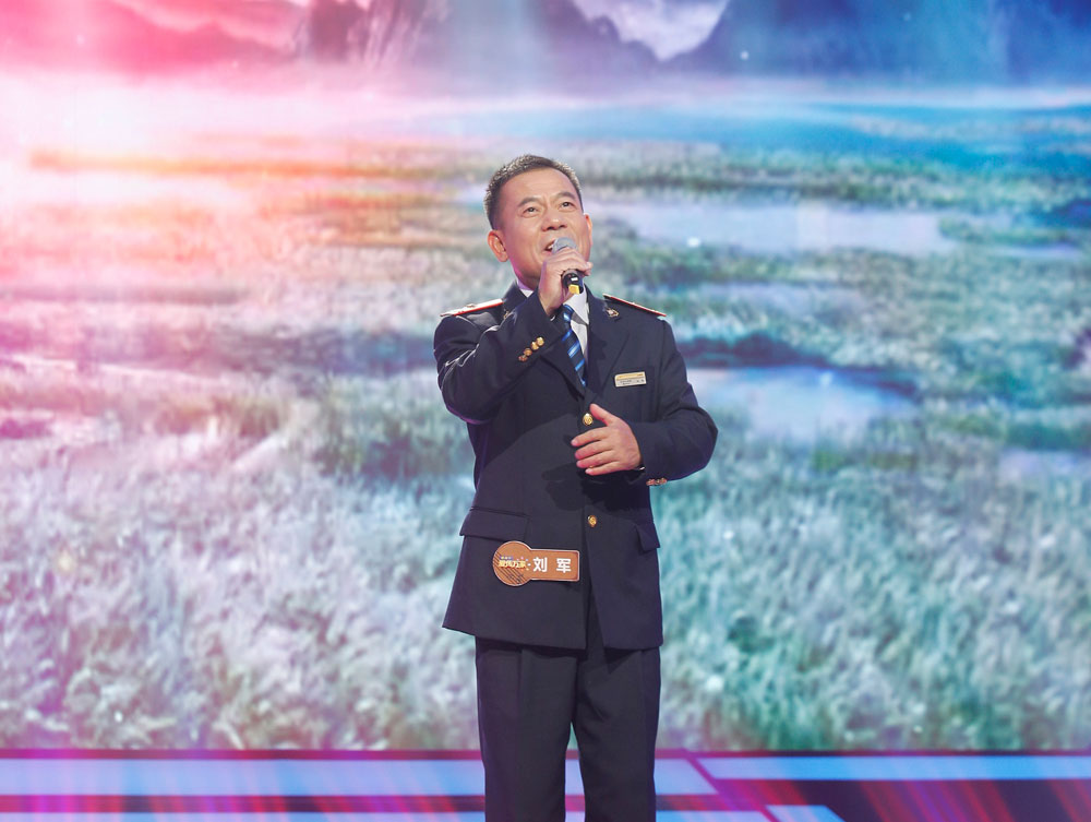 《爱传万家》繁荣音乐文化 重庆父子兵化身非遗