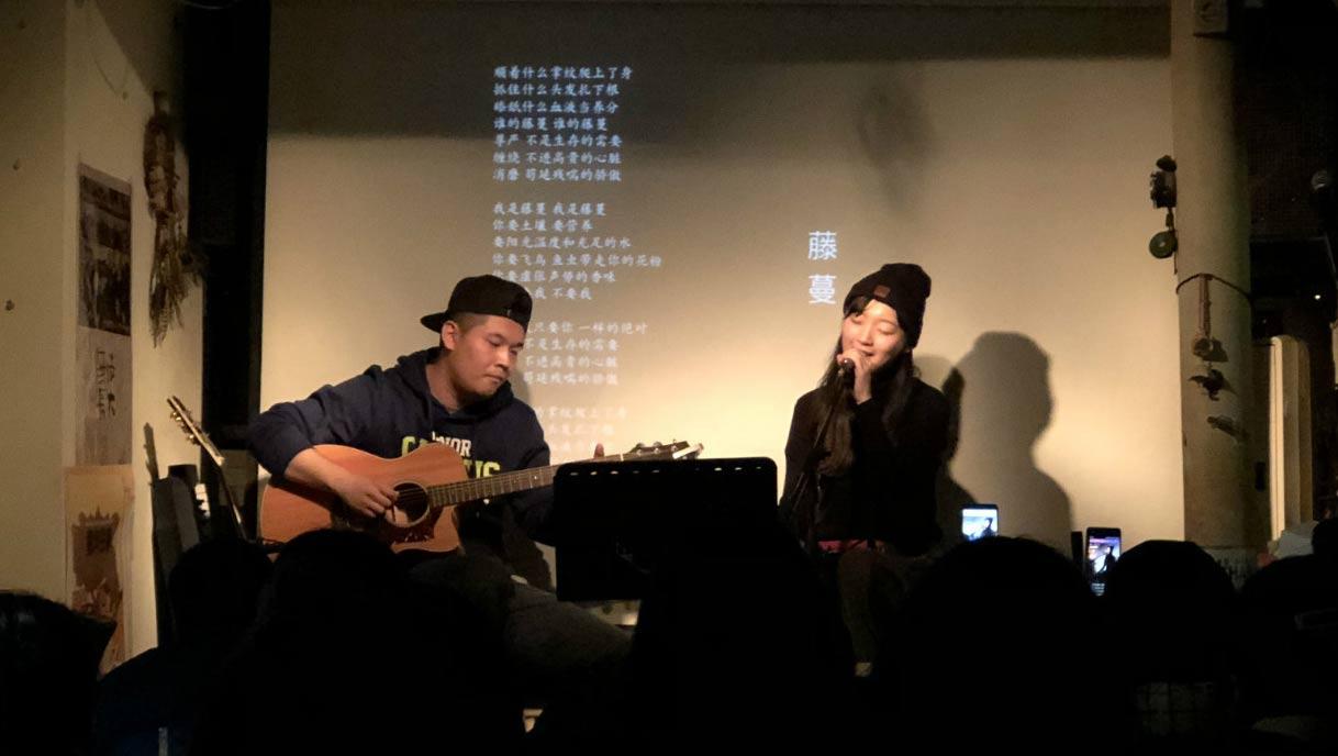 刘润洁黄昏蜗牛弹唱会献唱新歌《来自未来》