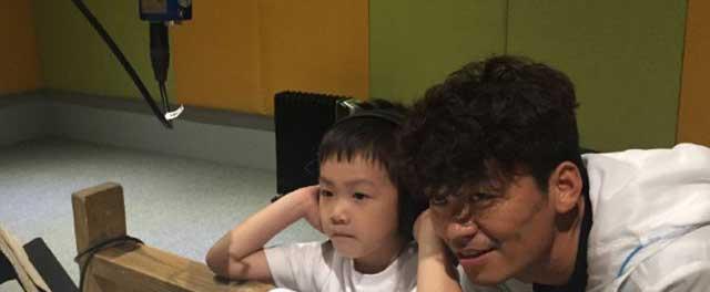 《挑战吧太空》王宝强与儿子通话视频曝光